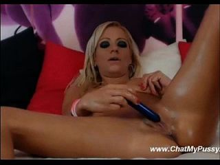 Webcam Blonde Masturbates With Her Favorite Dildos