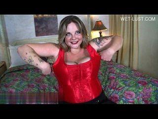 Hot Housewife Smoking Blowjob