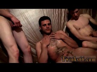 Gay Fuck The Guys Are Gathering Around And Wanking Off Over Him,