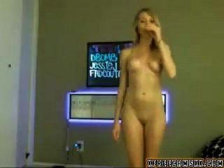 Sexy Webcam Girl 30