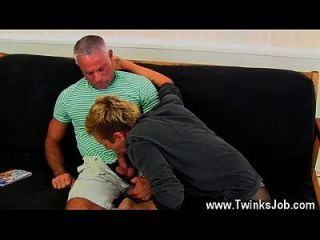 Gay Twinks This Splendid And Muscled Hunk Has The Killer Twink Mason
