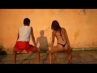 085 - Very Nice Brazilian Girl Dancing Funk With Bikini