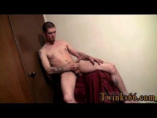 Twinks Xxx Nolan Loves To Get Drenched