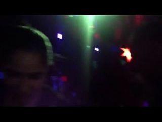 015 - Mulata Da Bunda Perfeita De Fio Dental Em Baile Funk