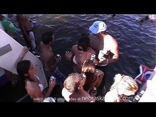 Honky Tonk Party Girls Naked In Public
