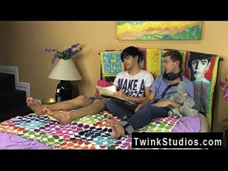 Twink Sex Jae Landen And Keith Conner Are Just Friends Stringing Up