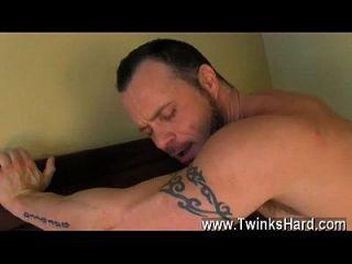 Nude Men Daddy Drew Loves Big Dicked Boys!