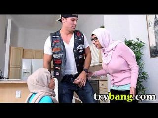 Arab Mia Khalifa & Juliana Vega Stepmom Threesome - Trybang.com