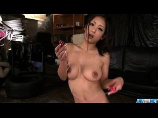 Asian Satomi Suzuki Provides Serious Pleasures On Cocks