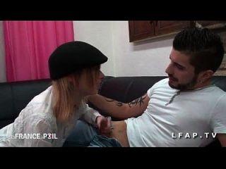 Jeune Petite Etudiante Francaise Defoncee Et Sodomisee Par Son Kem