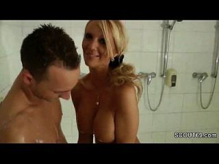 Forbidden Blonde Milf Jerks Off Step-son In Shower - Thesexyporn.eu