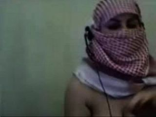 My Nude Arabic Webcam In Just Hijab - Saudiporncams.info