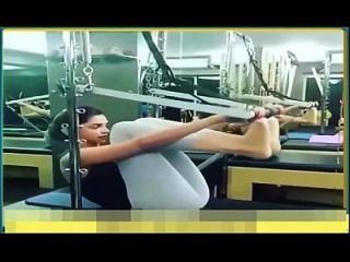 Deepika Padukone Exercising In Skimpy Leggings Hot Yoga Pants.