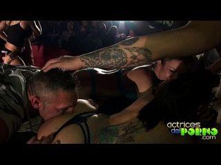 Orgía En El Escenario De Oporto - Public Sex
