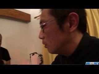 Slim Miina Yoshihara Feels Needy To Fuck In Threesome