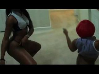 Two Black Girls Shake Bootys - Theparadiseofsex.com