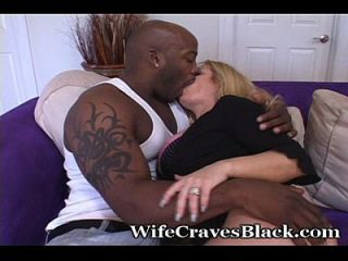 Full Figured Wifey Craves New Cock