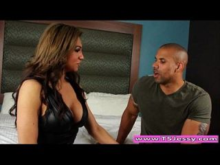 Latin Ts Jessy Dubai Blows And Gets Anal Banged By A Hunk