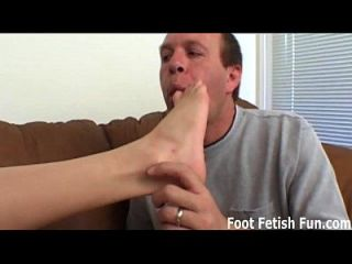 I Really Want To Give You A Footjob