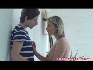 Stepmom Facesitting In Trio With Teen Babe