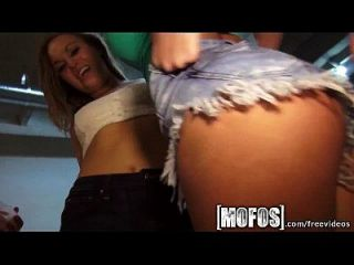 Mofos - Three Teens Babes In Hot Orgy