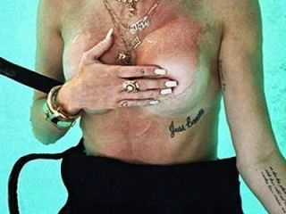 Miley Cyrus Topless: Http://ow.ly/sqhxi