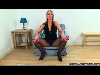 British Milf Sofia Works Her Craving Pussy