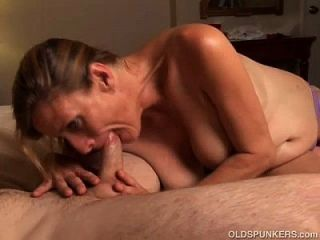 Slutty Older Babe Is A Super Hot Fuck And Loves Facials