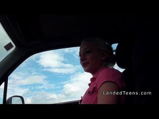 Teen Fucks In Pink Panties In Car