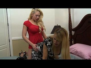 Kagney Linn Karter And Nicole Moore Eat Each Other Out