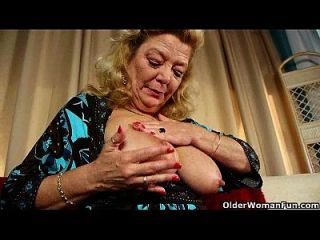 Anal loving grannies and milfs collection