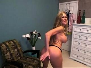 Hot Pornstar Brandi Love Plays On Cam - Live Cams At Nakedcamchicks.com