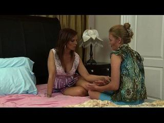 Syren De Mer And Daisy Layne Enjoy Some Lez Fun
