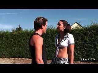 Jeune Beurette Grave Prise En Double Et Couverte De Sperme Au Bahut