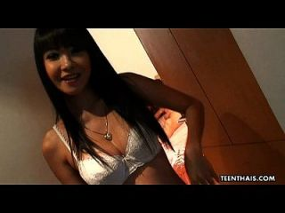 Thai Hooker Gets Fucked And She Sucks A Penis