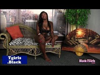 Juggs Ebony Shemale Tugs Her Cock