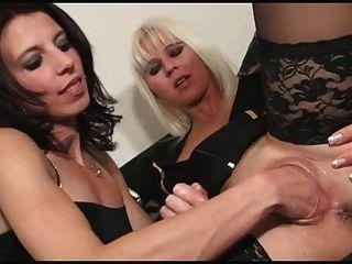 Nice Fisting Lesbians