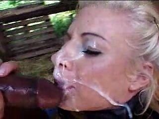 Blond-ponygirl