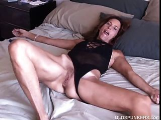 Cock Teasing Asian Cougar(playtime)