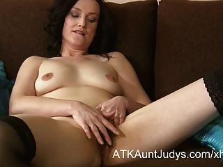 38 Year Old Amateur Milf Emily Marshall  Masturbates