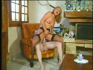 Milf Hot And Horny Loves Hard Long Cock Anal Assfuck Troia Bello Duro Per Bene In Fondo Al Culo E Sp