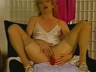 Strong And Loud Female Orgasm And Ejaculation