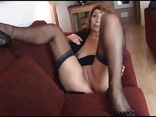 Lady Shows All 92