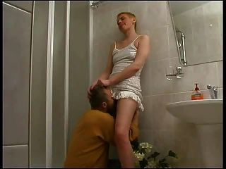Russian Mature Fucked - Rupornoru.ucoz.ru - By A Young Boy In The Shower