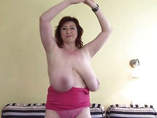 Awesome Huge-boobs-milf Let Em Hang
