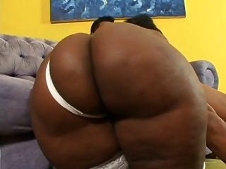 Huge Ass Brazilian Milf