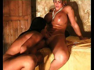 Yasmine & Elisangel - Cock Game