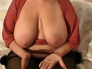 Bbw With Big Tits In Room