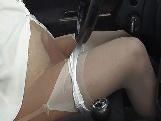 Free women pissing hidden cam