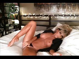 Hot Mature Webcam Dildo Her Asshole